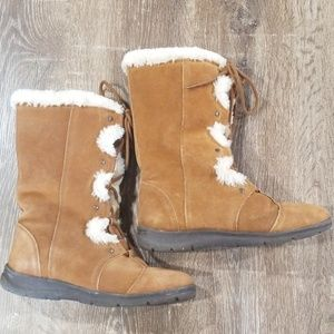White Mountain tall leather fur lace up boots 9